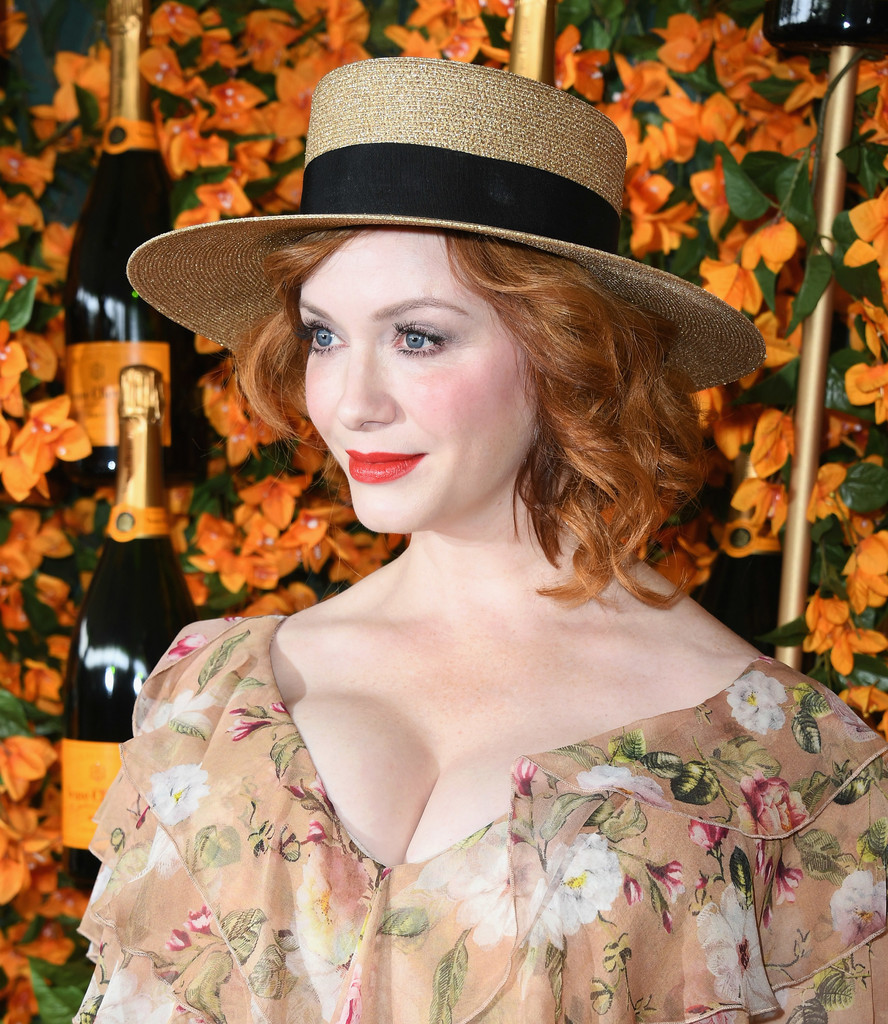 84331079_christina-hendricks-9th-annual-veuve-clicquot-zrdi5ujyuohx.jpg