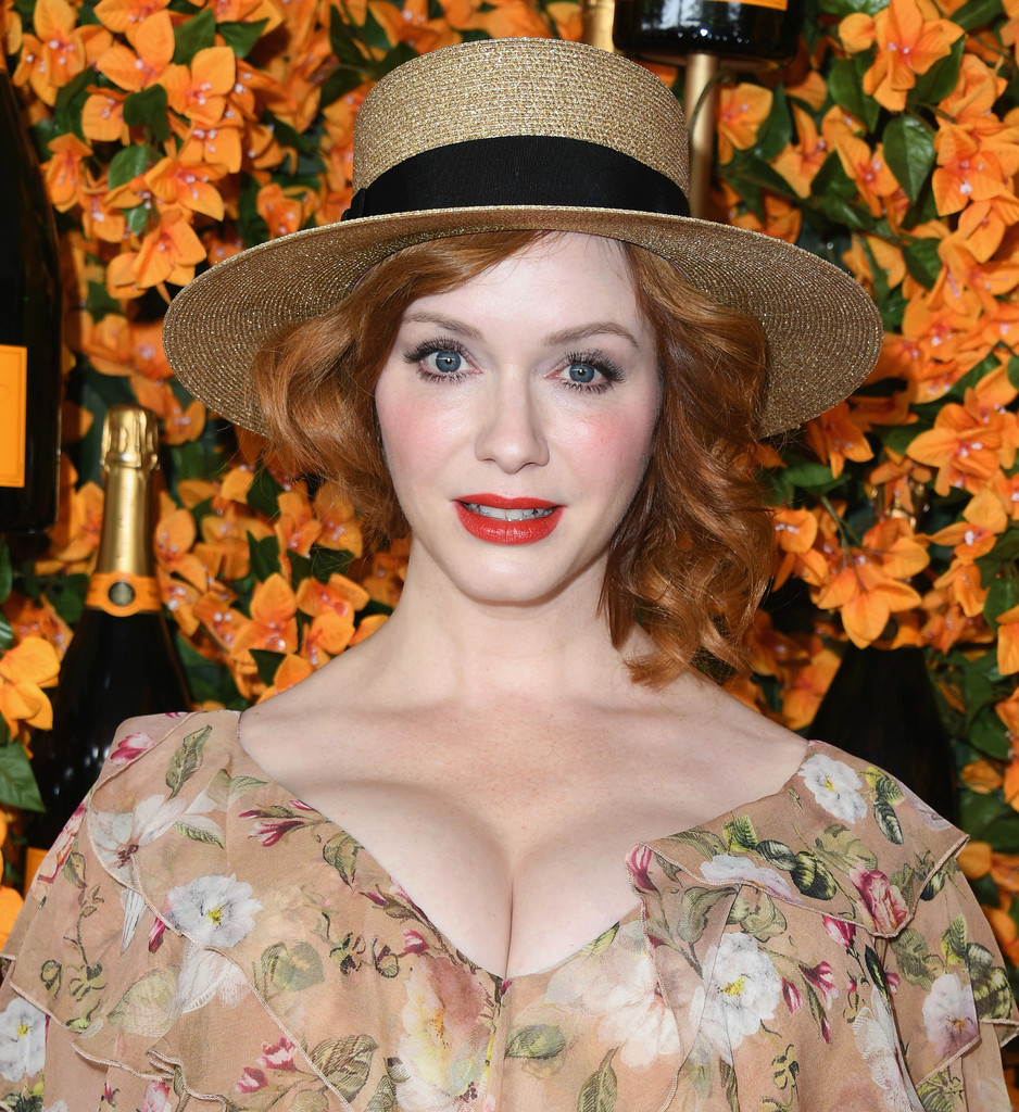 84331096_christina-hendricks-9th-annual-veuve-clicquot-klpgl3kxivzx.jpg