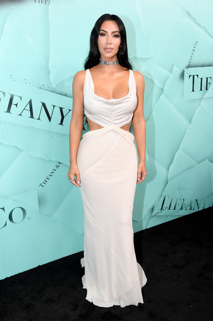 84715170_kim-kardashian-tiffany-co-celebrates-2018-dehsns0dkozx.jpg