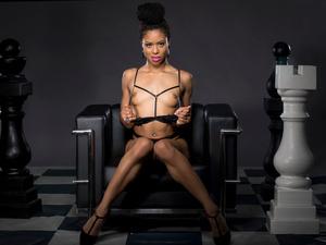 [Twistys] Kira Noir – Geometric Masturbation