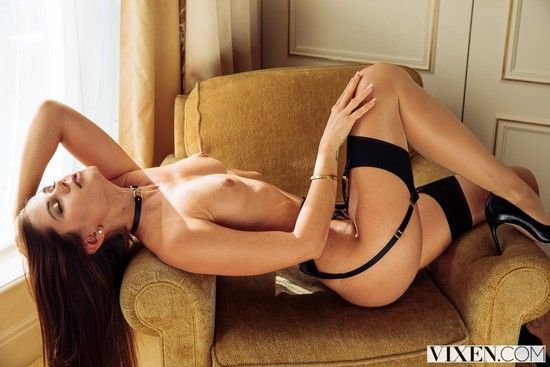 [VIXEN] Little Caprice – Fashion Appreciation
