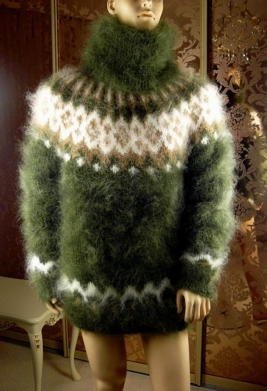 83680051_hairy-moss-green-t-neck-6.jpg